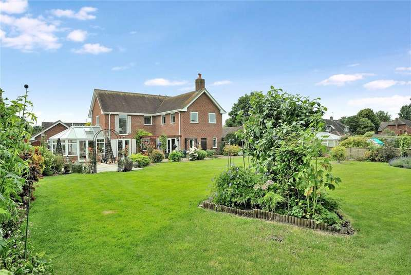 4 Bedrooms Detached House for sale in Blandford Road, Iwerne Minster, Blandford Forum, Dorset