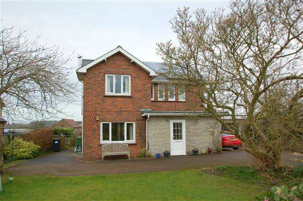 3 Bedrooms Detached House for sale in POOLWAY ROAD, BROADWELL