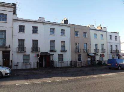 1 Bedroom Flat for sale in London Road, Cheltenham, Gloucestershire
