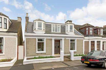 4 Bedrooms End Of Terrace House for sale in Eglinton Street, Saltcoats, North Ayrshire