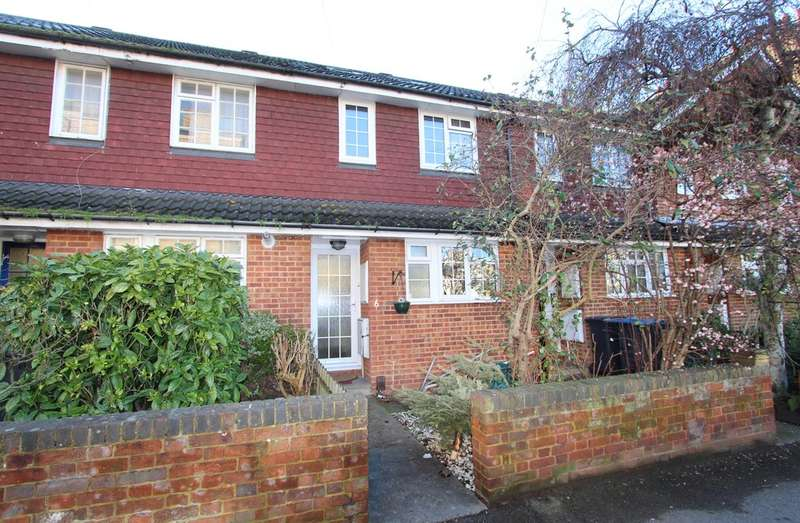 3 Bedrooms Terraced House for sale in St. Andrews Road, Surbiton