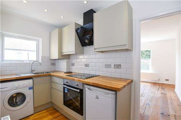 Studio Flat for sale in Tierney Road, SW2