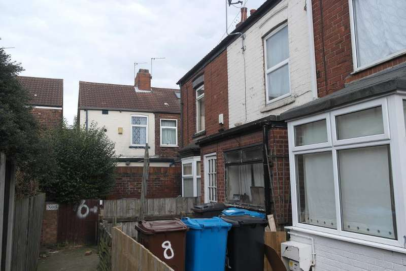 2 Bedrooms Terraced House for sale in Colenso Villas, Barnsley street, Hull, HU8 7TE
