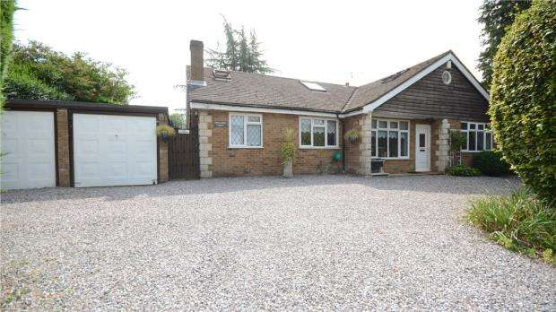 5 Bedrooms Detached House for sale in Deep Field, Datchet