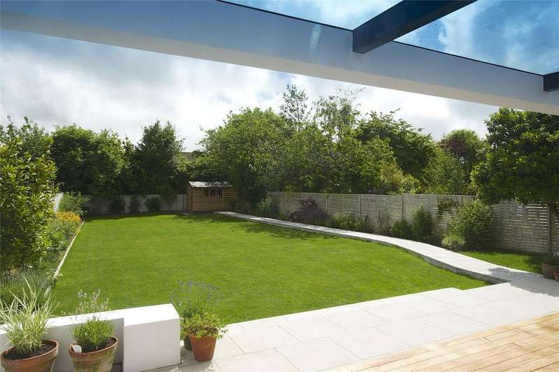4 Bedrooms Detached House for sale in Dorchester, Dorset