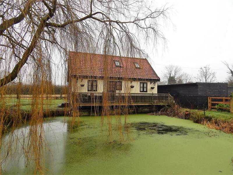 2 Bedrooms Barn Conversion Character Property for sale in Frith Way, Great Moulton, Norwich