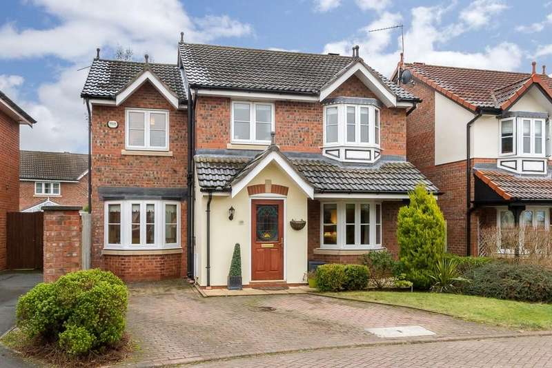 4 Bedrooms Detached House for sale in 10 Crowmere Close, Sandiway, CW8 2ZF