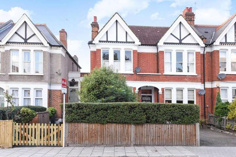 3 Bedrooms Maisonette Flat for sale in Valley Road, Streatham, SW16
