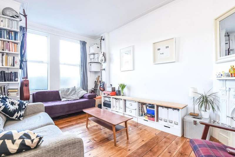 2 Bedrooms Flat for sale in Highshore Road, Peckham, SE15