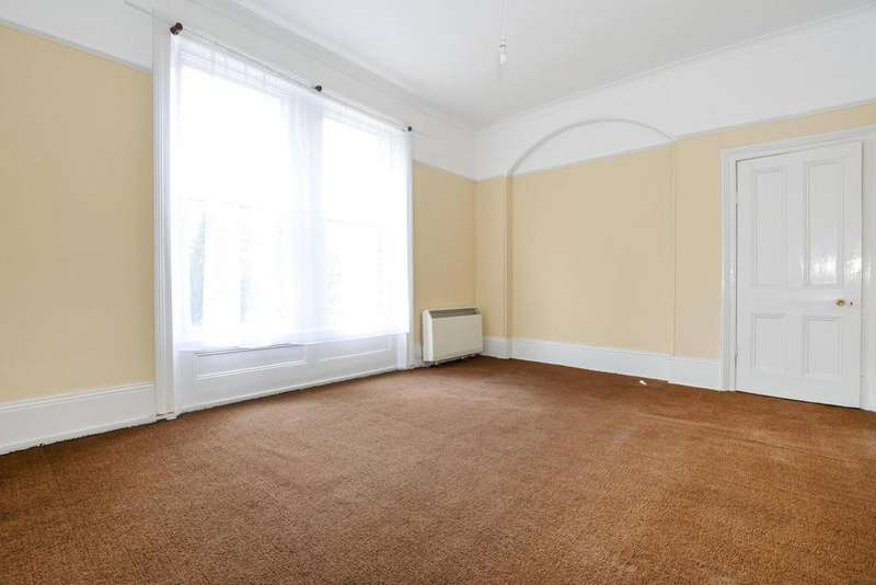 2 Bedrooms Flat for sale in Dartmouth Park Hill, Dartmouth Park, NW5