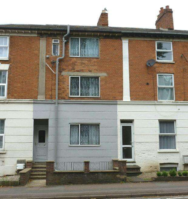 4 Bedrooms Terraced House for sale in Middleton Road, Banbury