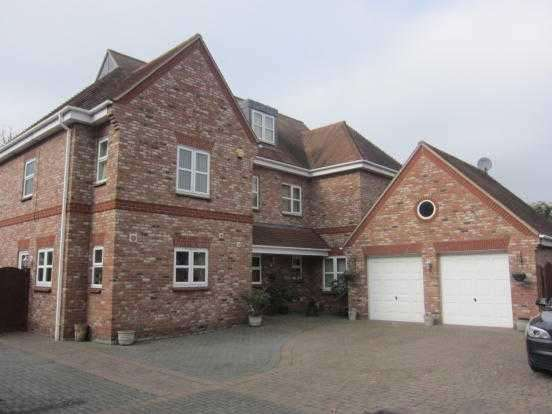 6 Bedrooms Detached House for sale in Berne Hall Court, Station Road, Wickford