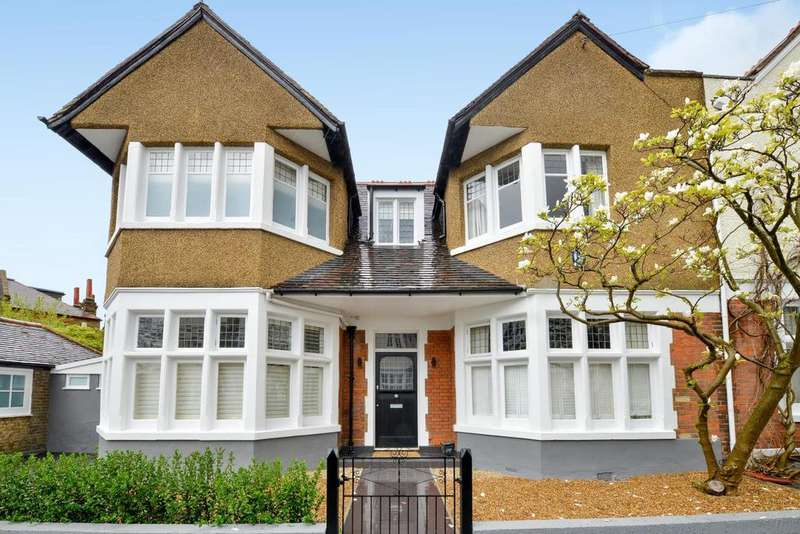 4 Bedrooms Semi Detached House for sale in Pickwick Road, Dulwich Village, SE21