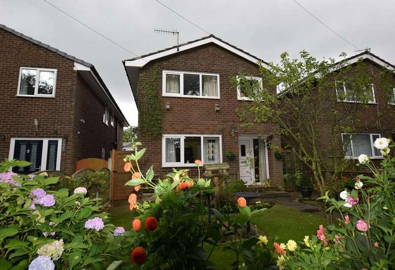 3 Bedrooms Detached House for sale in Elmfield, Chapel-en-le-Frith, High Peak