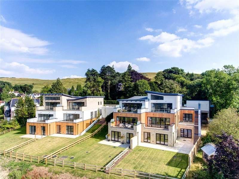 4 Bedrooms Semi Detached House for sale in 2 The View, Cleeve Hill, Cheltenham, Gloucestershire, GL52