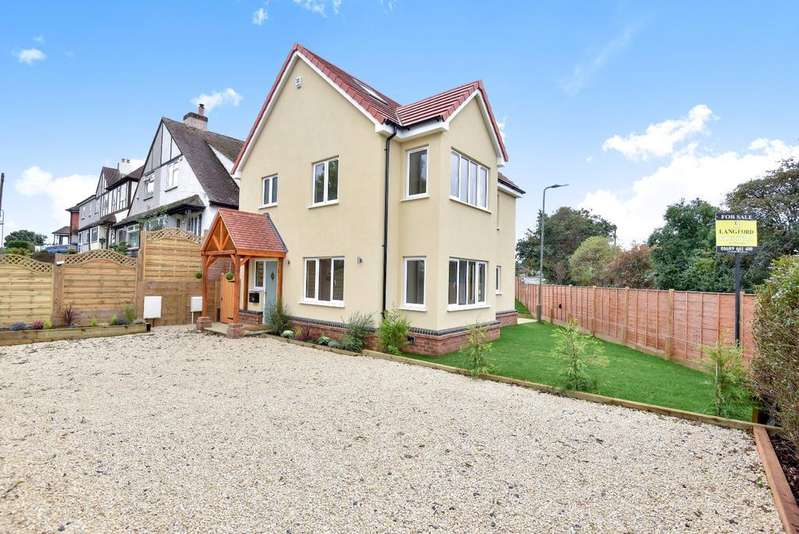 4 Bedrooms Detached House for sale in Cockmannings Road Orpington BR5