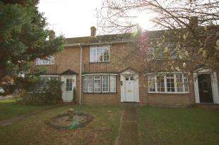 2 Bedrooms Terraced House for sale in Warburton Close, Uckfield, East Sussex