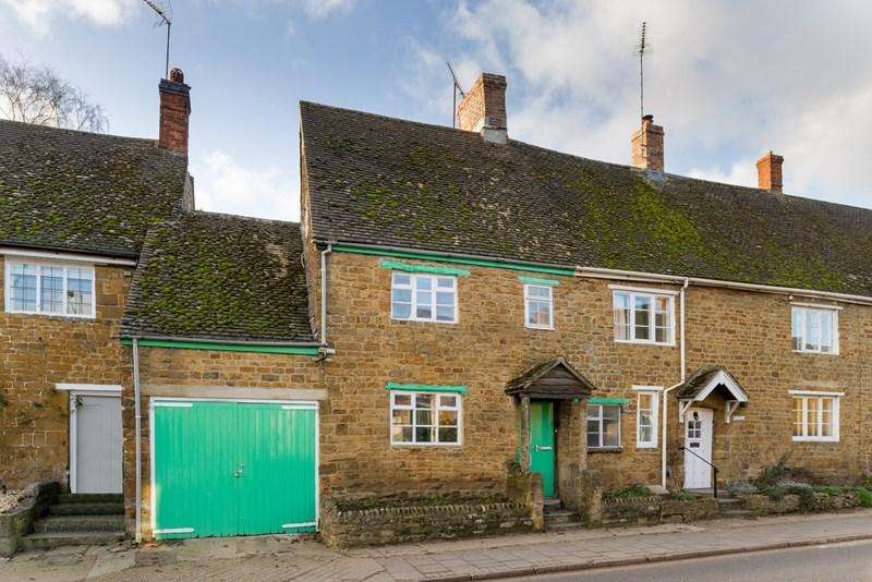 3 Bedrooms Cottage House for sale in Church Street, Bloxham, Banbury