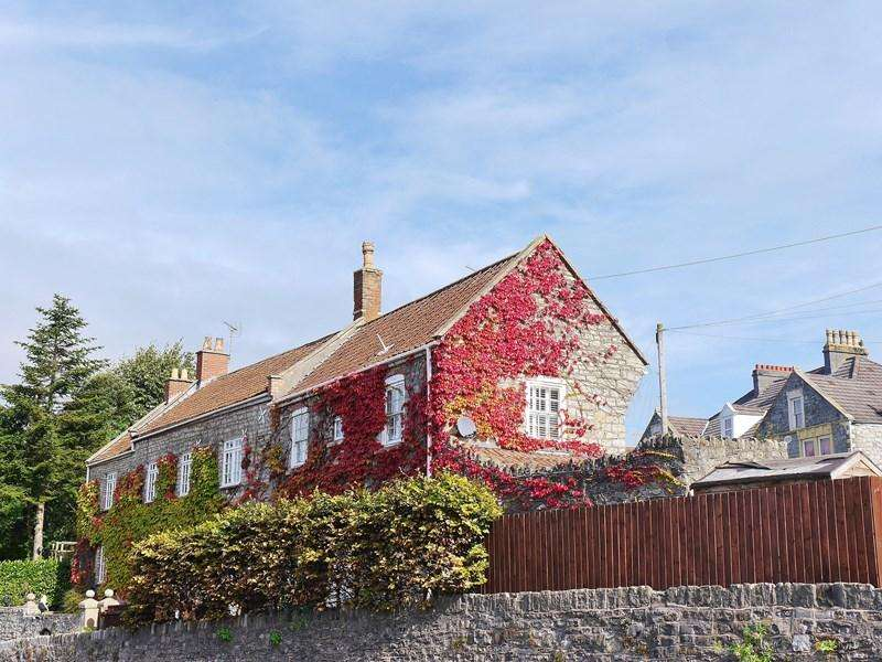 2 Bedrooms Semi Detached House for sale in Bath Hill, Keynsham, Bristol