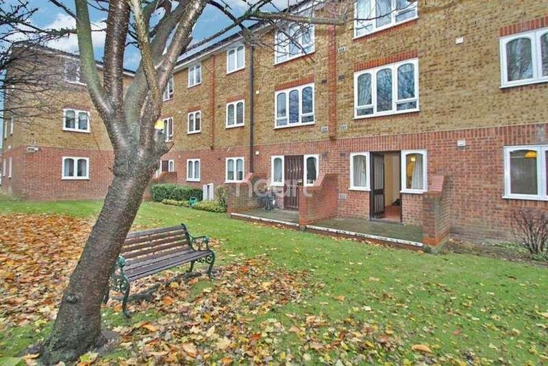 1 Bedroom Flat for sale in Merritt House, Frazer Close,