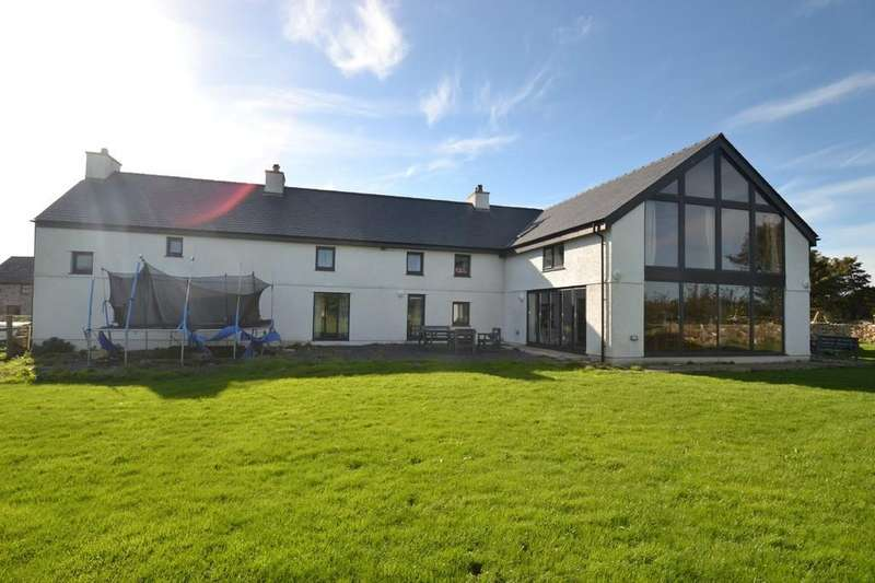 5 Bedrooms Farm House Character Property for sale in Coedana, Llanerchymedd, North Wales
