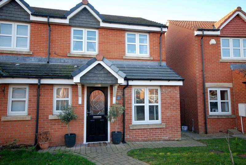 3 Bedrooms Semi Detached House for sale in Lavender Grove, Jarrow