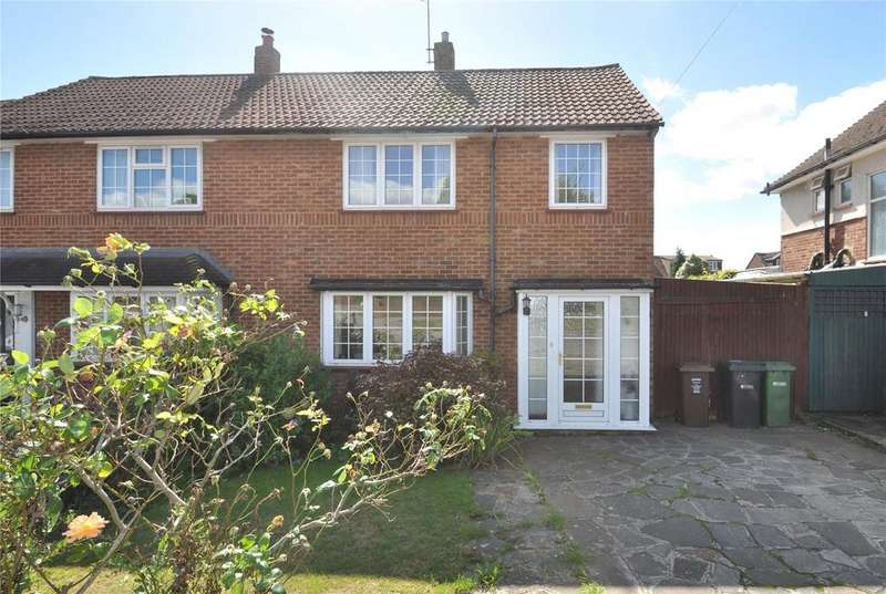 3 Bedrooms Semi Detached House for sale in Chiswell Green Lane, Chiswell Green, St Albans, Hertfordshire