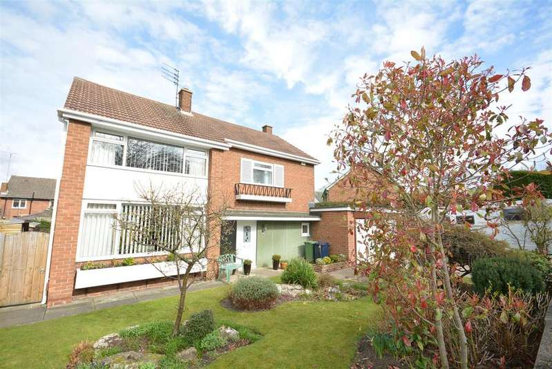 3 Bedrooms Detached House for sale in Lambourne Road, Ashbrooke, Sunderland