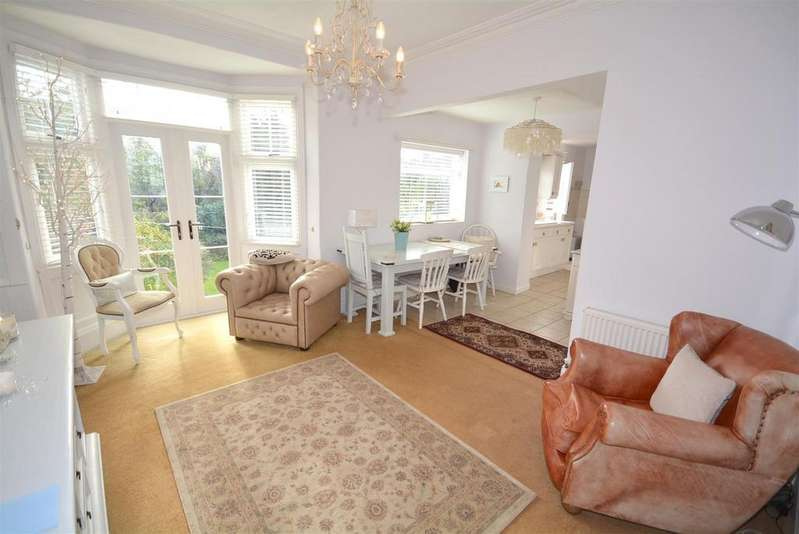 3 Bedrooms Semi Detached House for sale in Mount Road, High Barnes, Sunderland