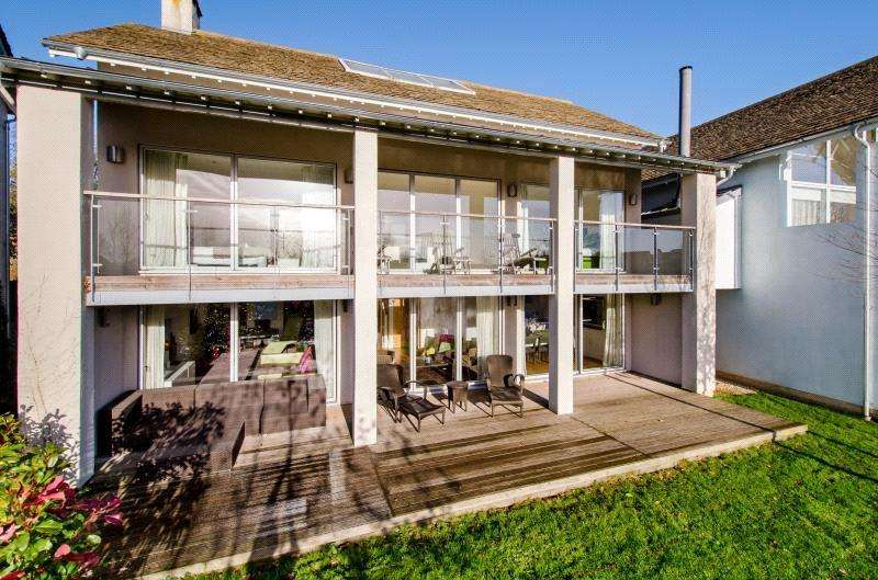 5 Bedrooms Detached House for sale in Clearwater, Lower Mill Estate, Somerford Keynes, Gloucestershire, GL7