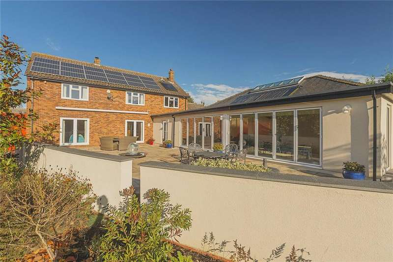 5 Bedrooms Detached House for sale in Holywell, St. Ives, Cambridgeshire, PE27