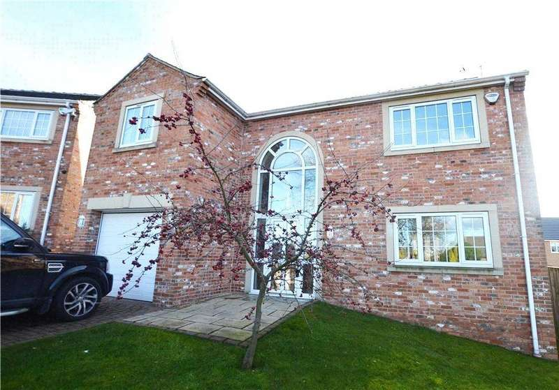 4 Bedrooms Detached House for sale in Hare Park Lane, Crofton, Wakefield, West Yorkshire