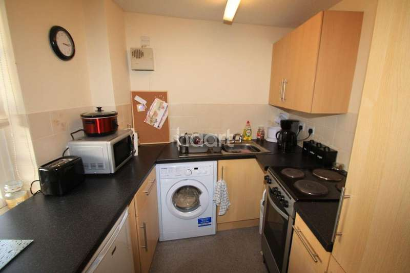 1 Bedroom Flat for sale in Eastgate Gardens, Taunton