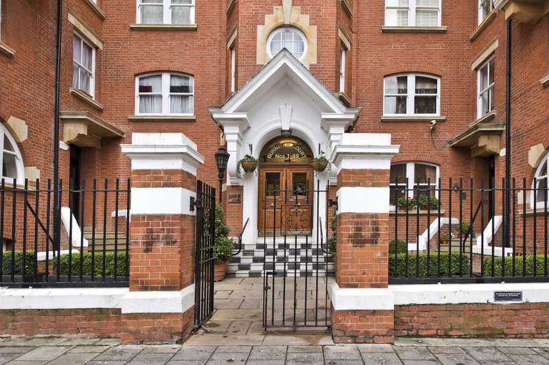 4 Bedrooms Flat for sale in Burnham Court, Moscow Road, Notting Hill, W2