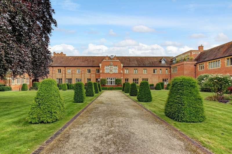 2 Bedrooms Apartment Flat for rent in Abbey Gardens, Upper Woolhampton, Reading, Berkshire, RG7