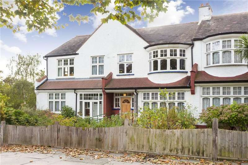 3 Bedrooms Terraced House for sale in Lordship Lane, East Dulwich, London, SE22