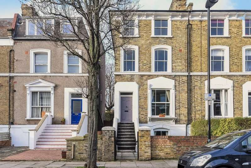 2 Bedrooms Maisonette Flat for sale in Shaftesbury Road N19 4QW