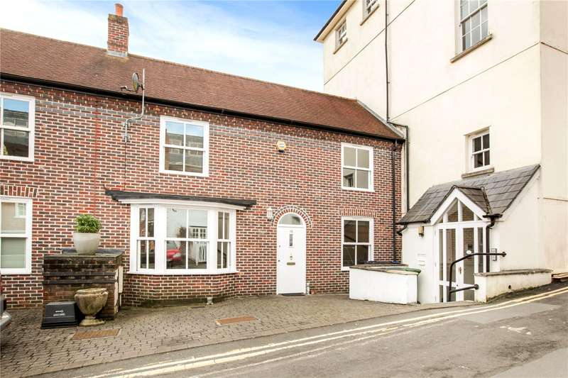 2 Bedrooms Terraced House for sale in Angel Yard, High Street, Marlborough, Wiltshire, SN8