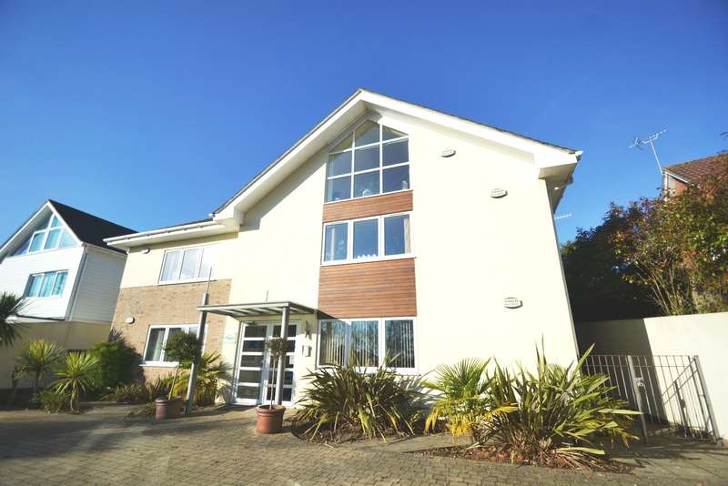 2 Bedrooms Flat for sale in Lower Parkstone, Poole