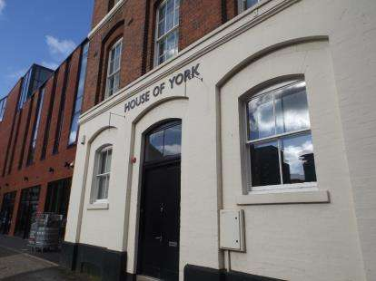 3 Bedrooms Flat for sale in House Of York, 28A Charlotte Street, Birmingham, West Midlands