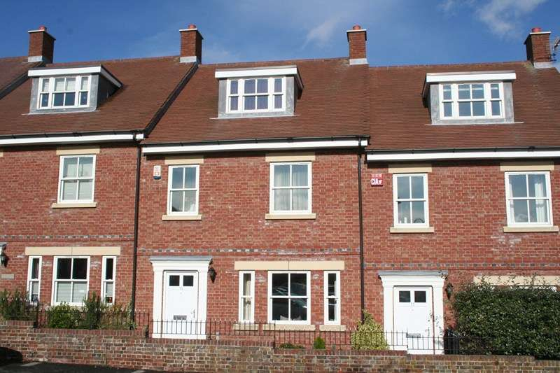4 Bedrooms Terraced House for sale in Admiralty Row, Hamble, SOUTHAMPTON