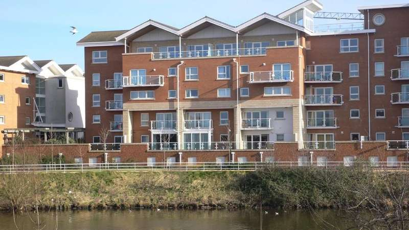 2 Bedrooms Apartment Flat for sale in Florence House, Judkin Court, Cardiff Bay, Cardiff