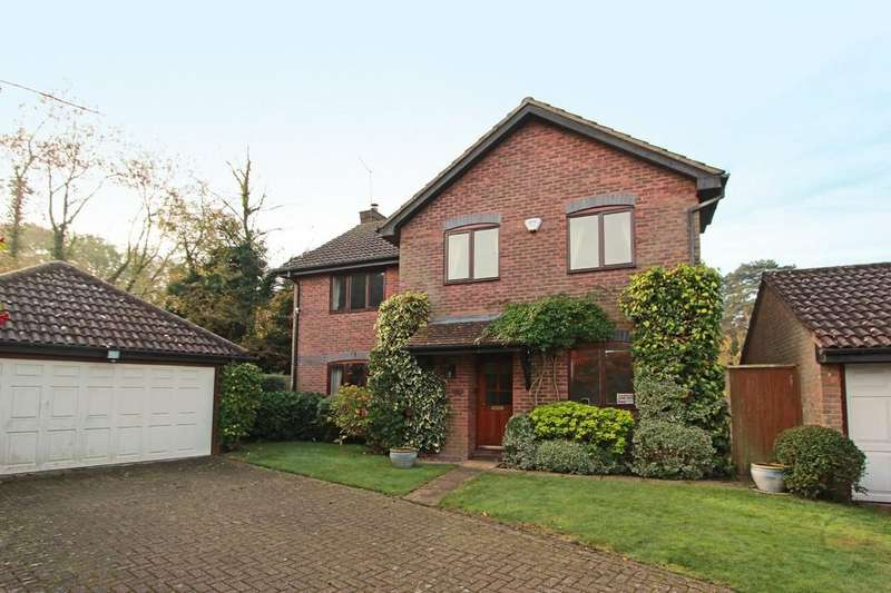 4 Bedrooms Detached House for sale in Meare Close, Tadworth