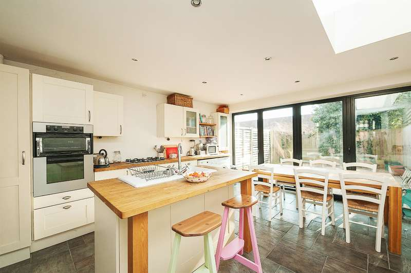 4 Bedrooms House for sale in Ravenshaw Street, London, NW6 1NP