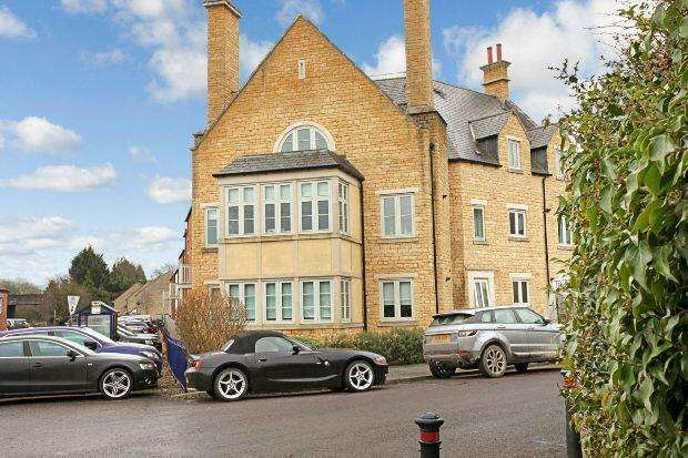 2 Bedrooms Apartment Flat for sale in Station Road, Moreton-in-marsh