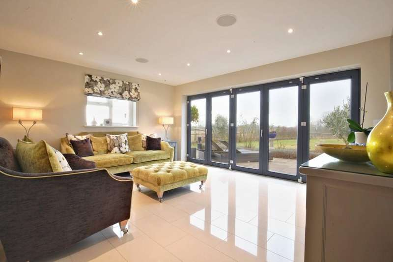 5 Bedrooms Detached House for sale in Bartholomew Green, Great Leighs, Chelmsford