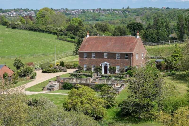 4 Bedrooms Farm House Character Property for sale in Newport, Isle of Wight