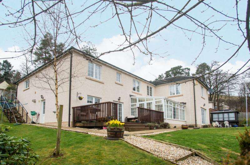 5 Bedrooms Detached House for sale in St Ronan's Terrace, Innerleithen, Peeblesshire, Scottish Borders