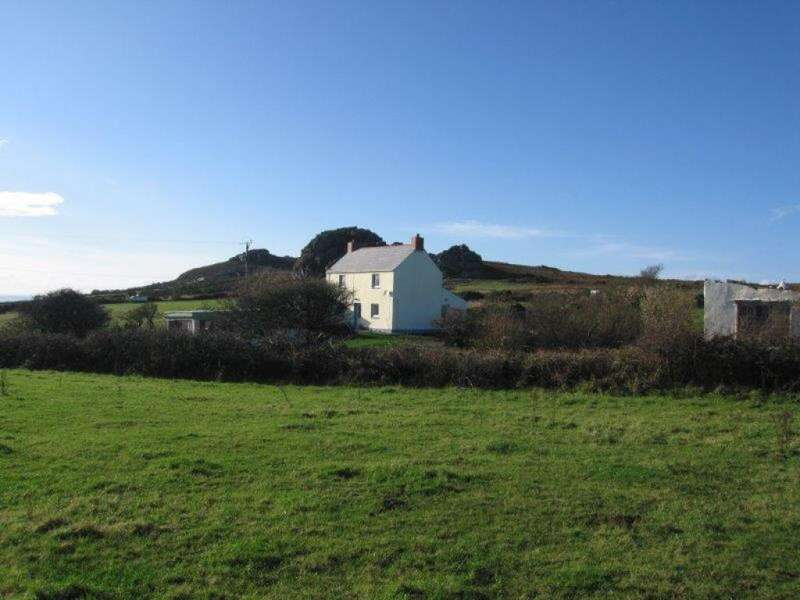 3 Bedrooms Detached House for sale in Pencaer, Strumble Head, Fishguard