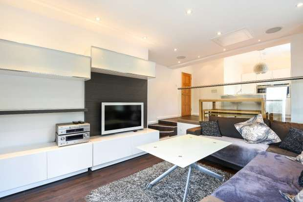 2 Bedrooms Apartment Flat for sale in The Garlands, Peterborough Road, Harrow on the Hill, HA1